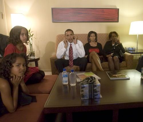 Familie Obama wartet auf das Wahlergebnis
